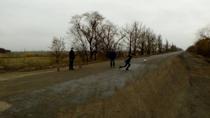 """Несмотря на запрет со стороны обладминистрации, фуры продолжают ездить по трассе Н-11 """"Кривой Рог - Николаев"""" (ФОТО), фото-4"""