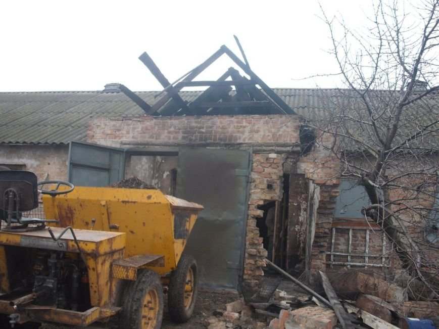 В Запорожской области спасатели тушили пожар в курятнике (ФОТО) (фото) - фото 1
