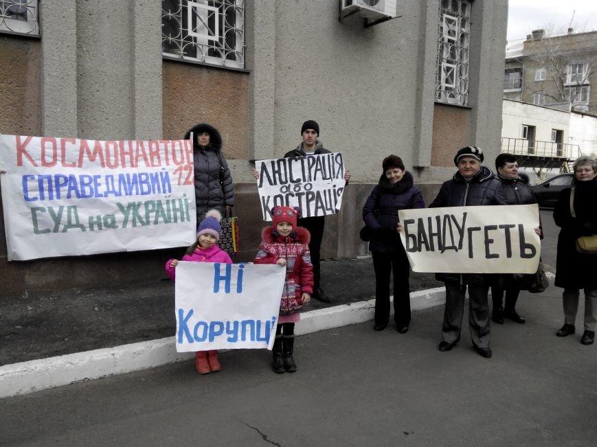 Жильцов николаевского общежития выгоняют на улицу (ФОТО) (фото) - фото 2