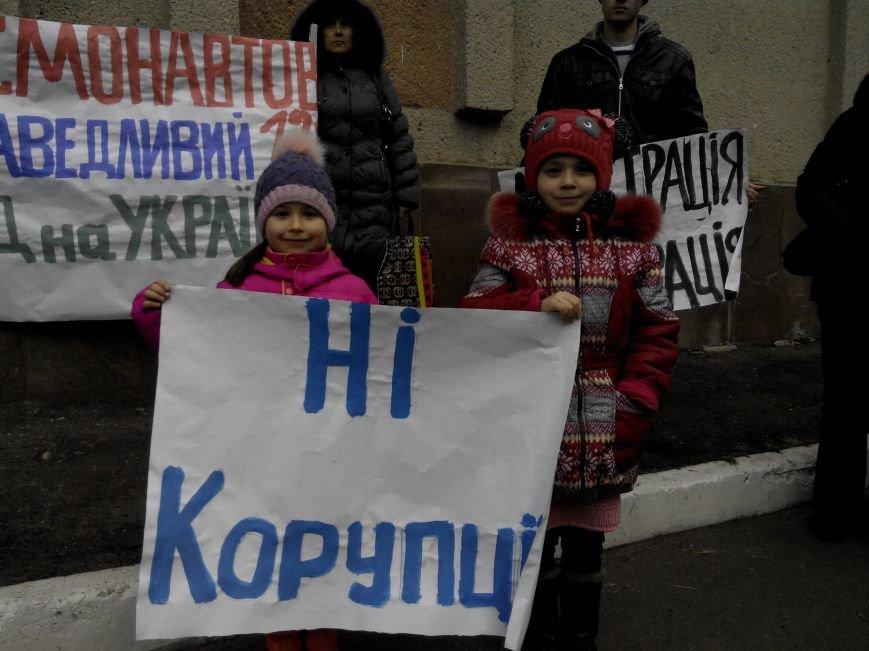Жильцов николаевского общежития выгоняют на улицу (ФОТО) (фото) - фото 1