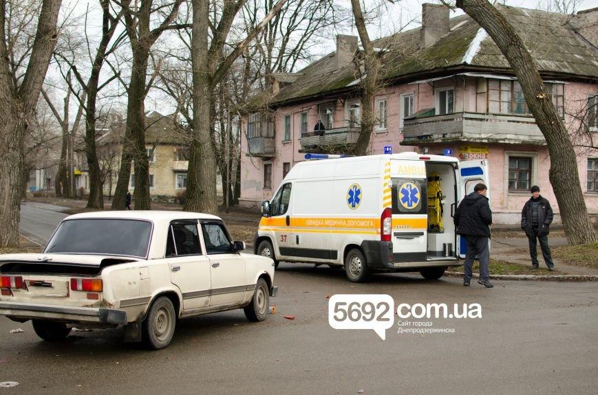 В Днепродзержинске столкнулись ВАЗ и мотоцикл: есть пострадавшие, фото-3