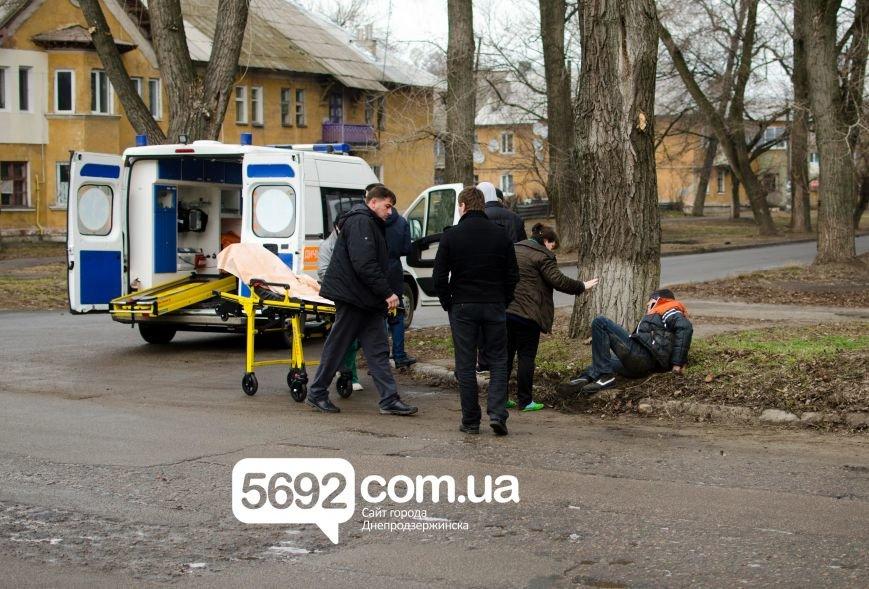 В Днепродзержинске столкнулись ВАЗ и мотоцикл: есть пострадавшие, фото-5