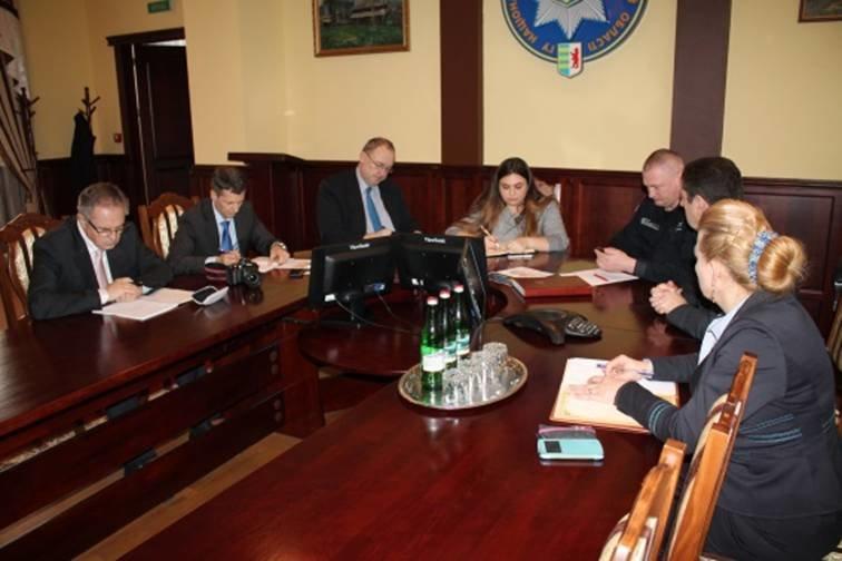 В закарпатській поліції гостюють представники Місії Євросоюзу (ФОТО) (фото) - фото 5
