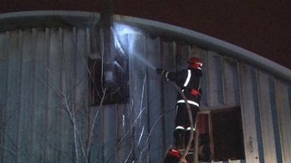 У Львові ледь не згоріла будівля ангару (ФОТО+ВІДЕО), фото-1