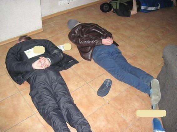 В одном из хостелов Киева обнаружили боевую гранату (ФОТО, ВИДЕО) (фото) - фото 1