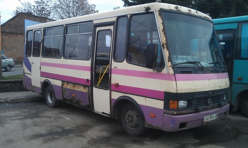 Кожен другий автобус «Ужгород-Чоп» та «Ужгород-Мукачево» - аварійний (фото) - фото 1