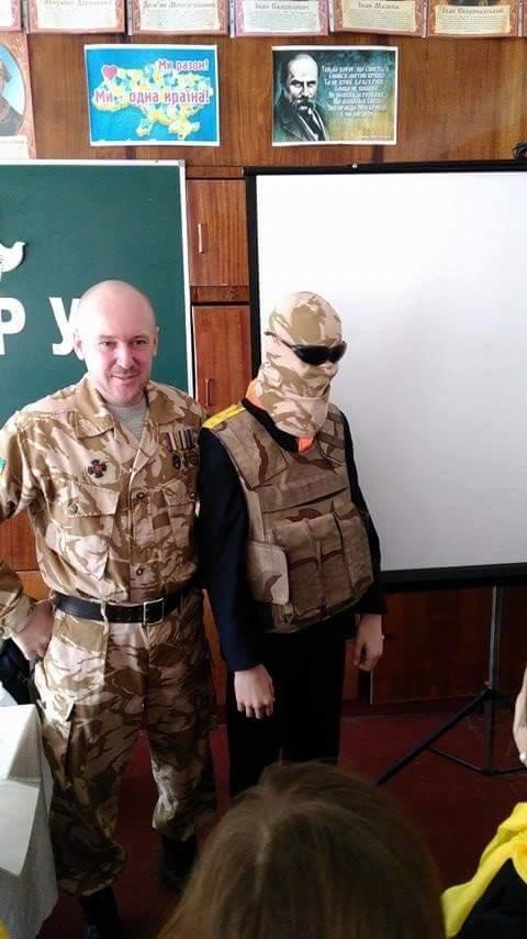 Ветеран АТО рассказал криворожским школьникам об Иловайском котле и цене мира  (ФОТО), фото-8
