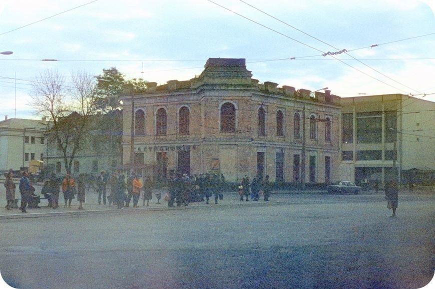 Прогулки по Запорожью с Романом Акбашем:  гуляем по Привокзальной площади (фото) - фото 19