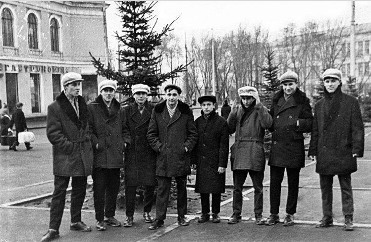 Прогулки по Запорожью с Романом Акбашем:  гуляем по Привокзальной площади (фото) - фото 18