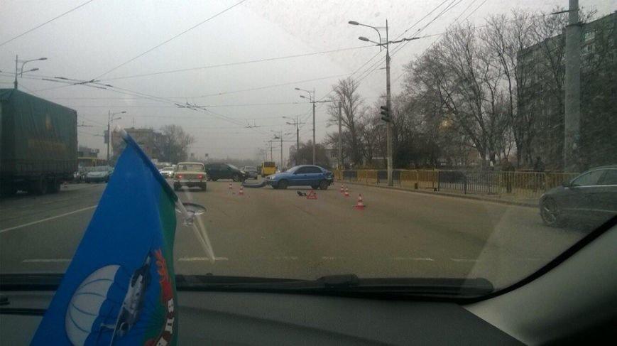 ДТП на пр.Слобожанского: Фура врезалась в легковое авто (ФОТО) (фото) - фото 2