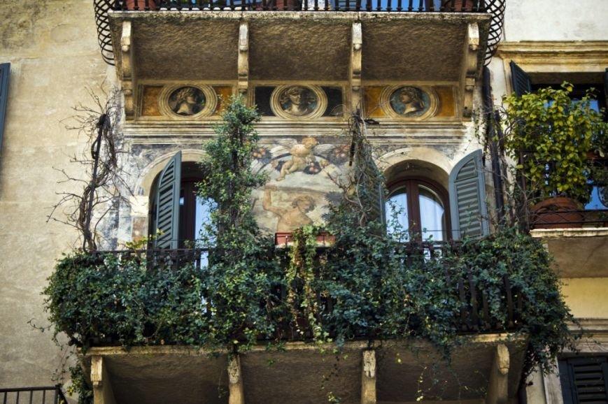 balcony-with-flowers15-1024x682