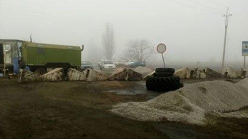 Дорога «Николаев-Днепропетровск» перекрыта: блокада продолжается (ФОТО) (фото) - фото 1