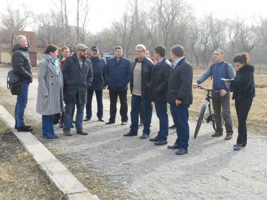 Сегодня в городском парке Славянска выбирали место для реализации новых проектов (фото) - фото 2
