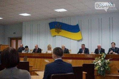 В Кривом Роге: арестовали фальшивомонетчика, суд выяснить законность назначения 7 заместителей мэра, горизбирком регистрирует кандидатов, фото-1