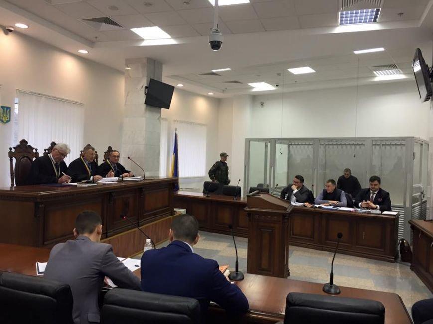 Кличко пришел в суд поддержать патрульного Олийныка (ФОТО) (фото) - фото 1