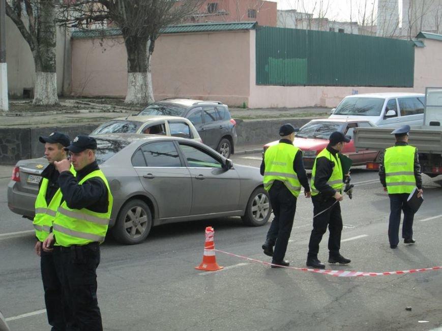 2cf214c0714ae9182e1aa14311c1a0c7 Груда металлолома: В Одессе на Мельницкой столкнулись сразу 4 автомобиля