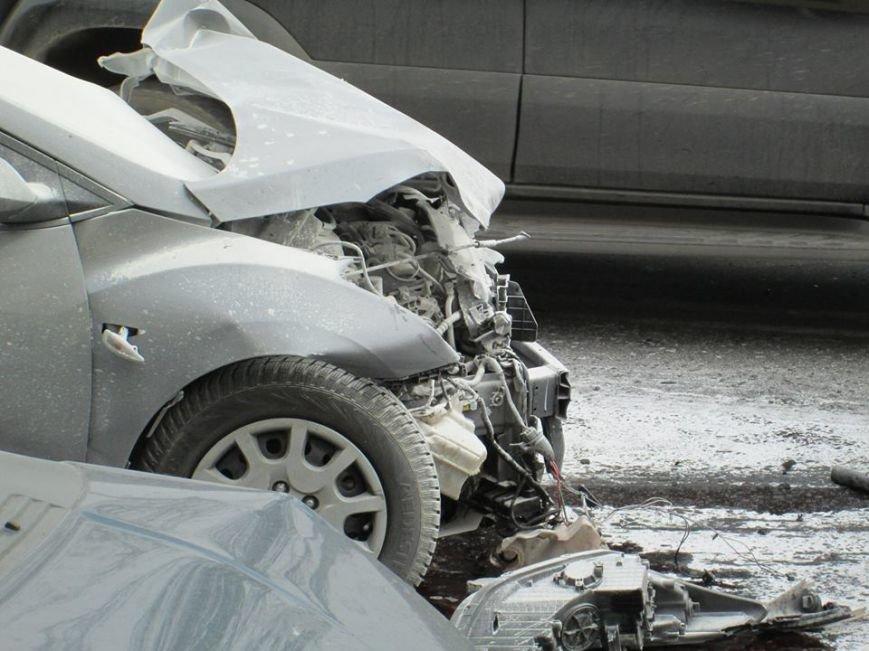 ddc15e9a5062bb06f8a2713141528256 Груда металлолома: В Одессе на Мельницкой столкнулись сразу 4 автомобиля