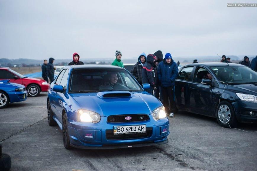 Чому поблизу Тернополя ревіли двигуни та горіли шини? (фото) - фото 1
