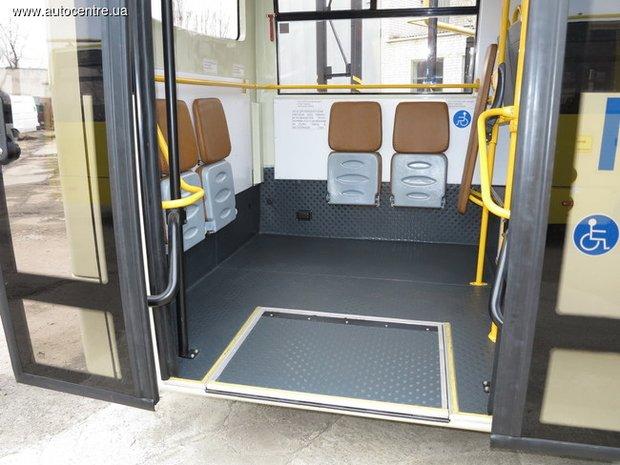 У Черкасах випустили автобус, що відповідає європейським екологічним стандартам (ФОТО) (фото) - фото 1
