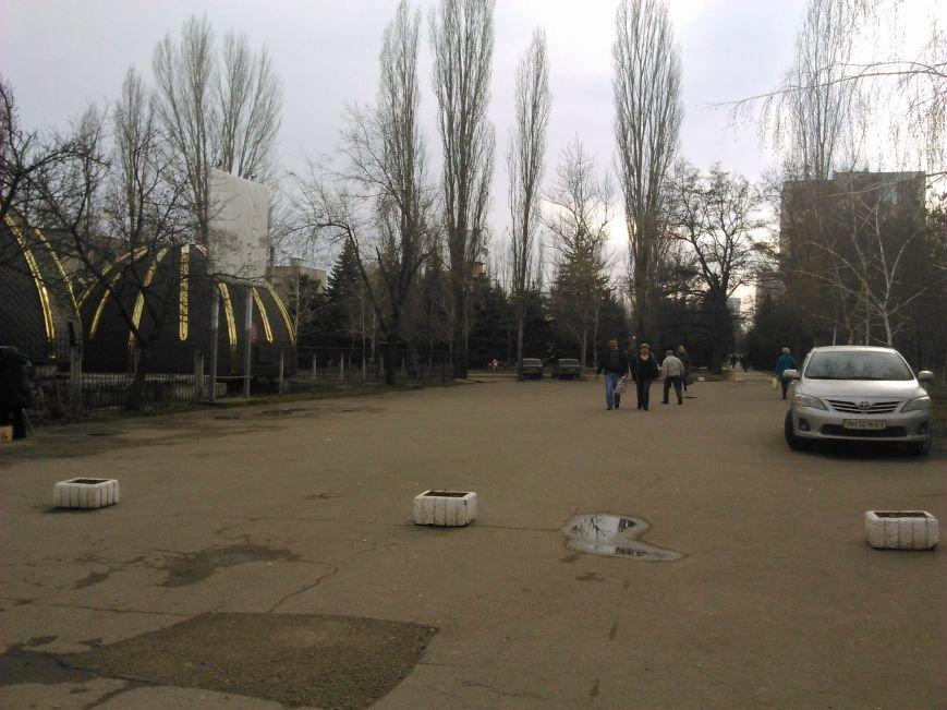 Канонично: В пешеходной зоне в Одессе появилась стоянка для определенной религиозной группы (ФОТО) (фото) - фото 1