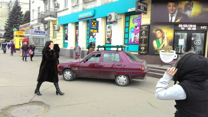 В центре Днепродзержинска из-за прорыва водопровода ограничено движение транспорта, фото-3