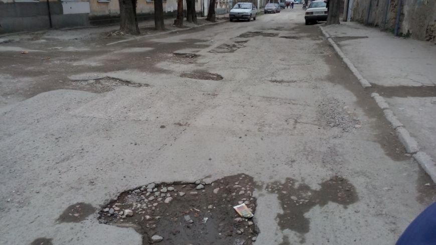 """Жители """"Старого города"""" могут добраться домой только на танке (ФОТОФАКТ), фото-3"""