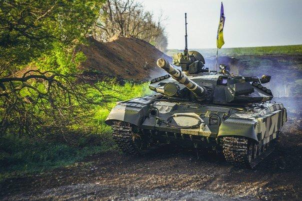 Мариуполь защищали танки из Харькова (фото) - фото 1