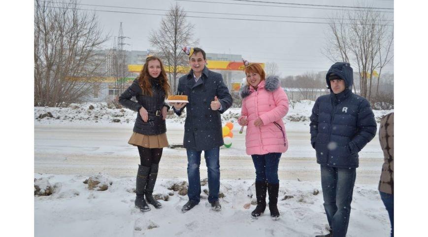 Ульяновец отметил день рождения дорожной ямы, фото-4