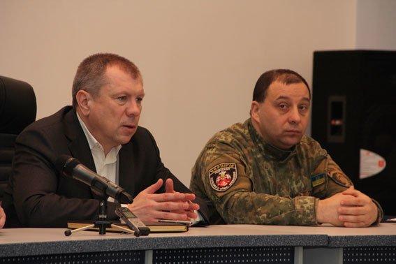 Бойцов спецроты «Чернигов» наградили за проявленное мужество (фото) - фото 1