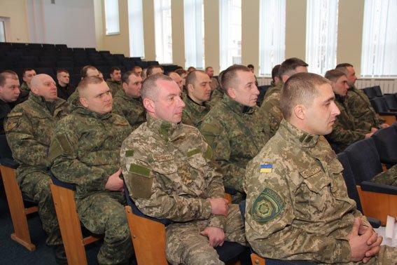 Бойцов спецроты «Чернигов» наградили за проявленное мужество (фото) - фото 2