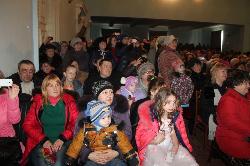 Женщин Северска поздравили с наступающим праздником, фото-7