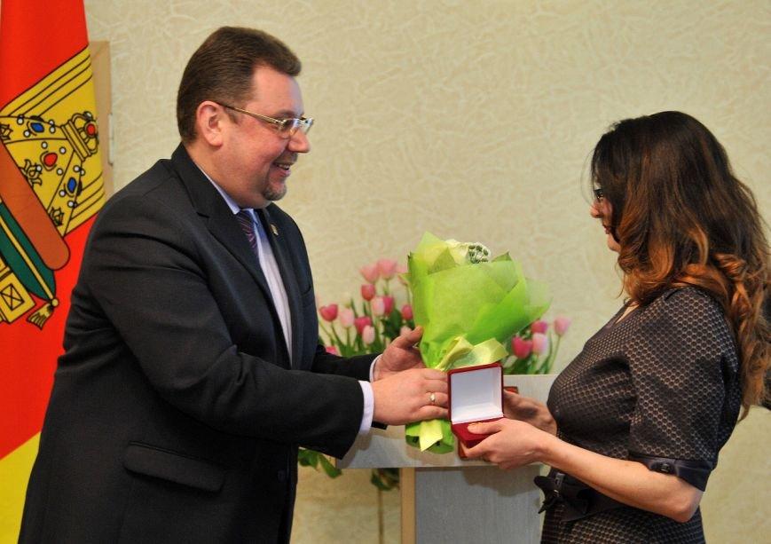 Тверичанок наградили в преддверии Международного женского дня (фото) - фото 1