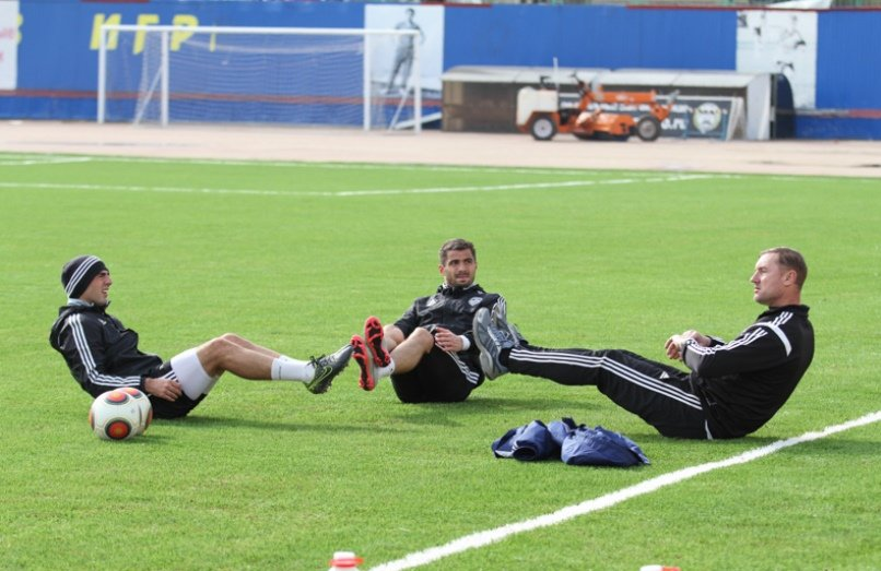 Армавирское «Торпедо» провело первую тренировку  на обновленном стадионе «Юность» (фото) - фото 1