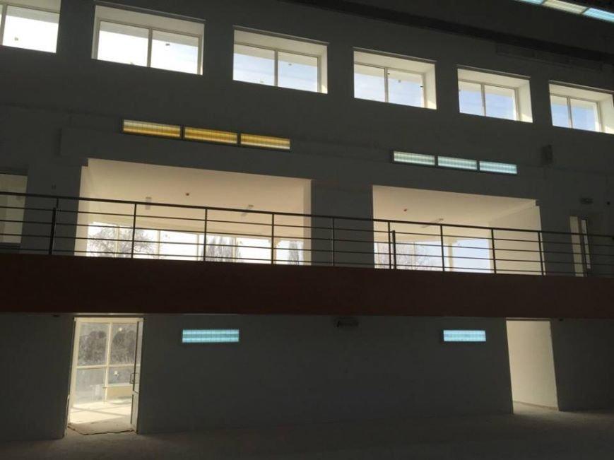 В Днепропетровске достроили спорткомплекс финакадемии (ФОТО) (фото) - фото 1