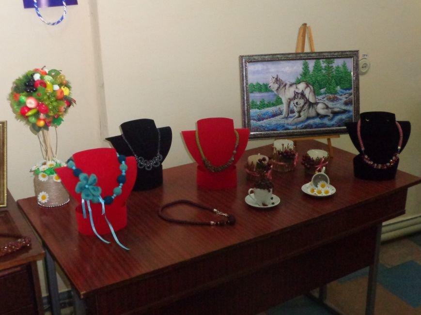 В Красноармейске открыта чудо-выставка, приуроченная к 8 марта (фото) - фото 3