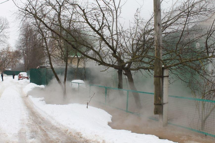 В Твери произошла авария на теплотрассе в Заволжском районе (ФОТО) (фото) - фото 2