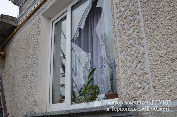 Двоє загиблих, один поранений: поблизу Тернополя зловмисник підірвався на гранаті разом із заручником (ФОТО) (фото) - фото 2