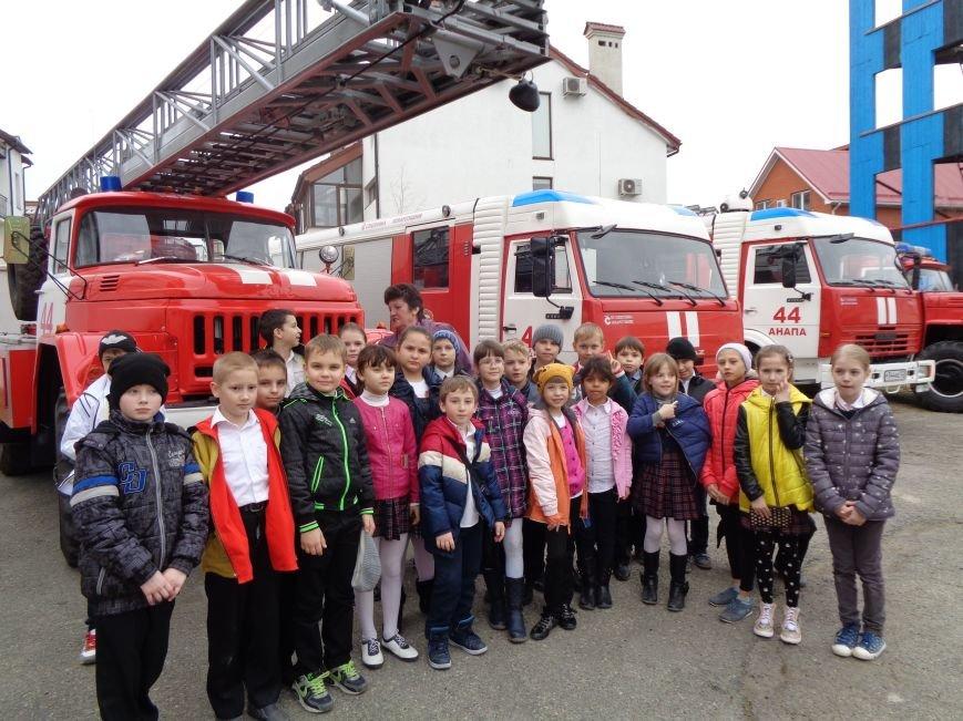 Анапчан приглашают на выставку ко Дню рождения пожарной охраны Кубани (фото) - фото 2