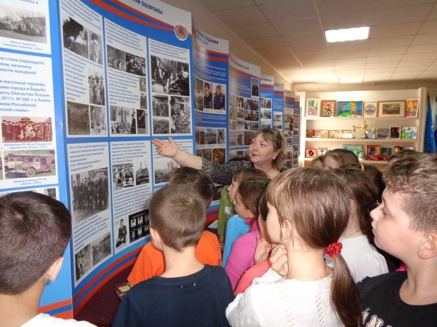 Анапчан приглашают на выставку ко Дню рождения пожарной охраны Кубани (фото) - фото 4