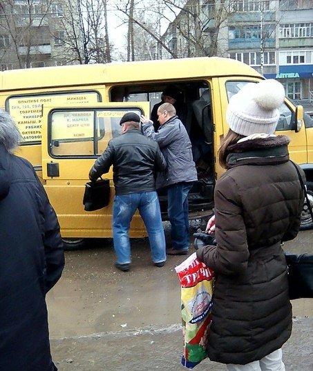 В Ульяновске у маршрутки отвалилась дверь (фото) - фото 1