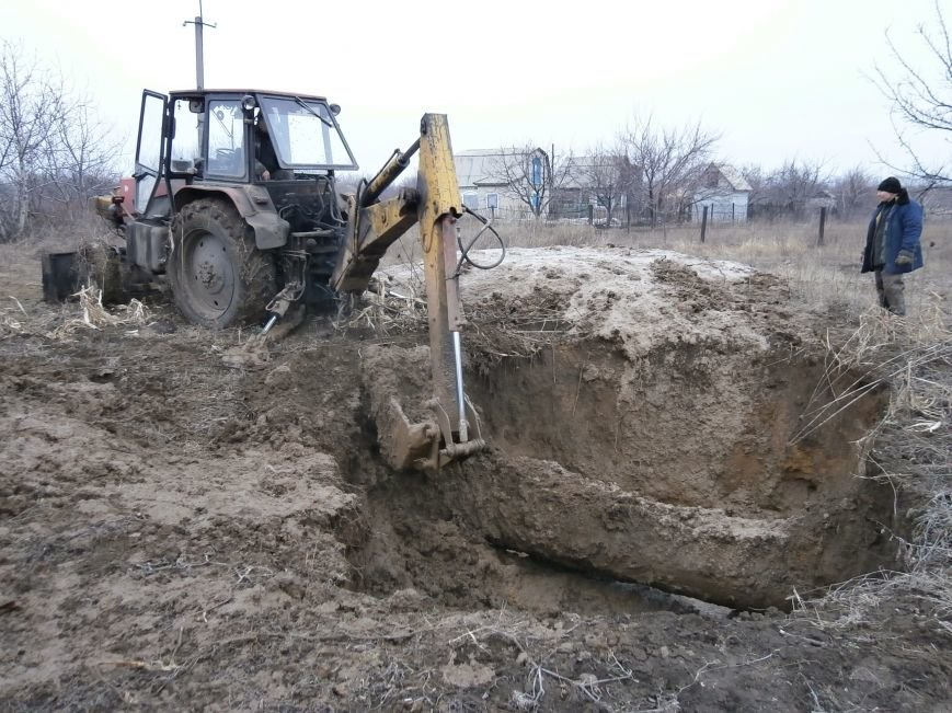 В Доброполье успешно устранен порыв на магистральном водоводе (фото) - фото 1