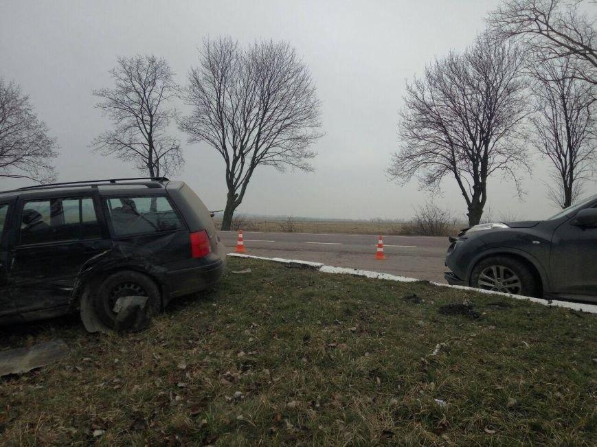 Поблизу Львова сталася аварія: постраждала жінка (ФОТОФАКТ), фото-1
