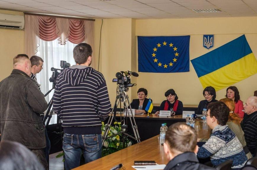 Белоцерковская фотовыставка «Женщины и конфликт в Украине» (фото) (фото) - фото 6