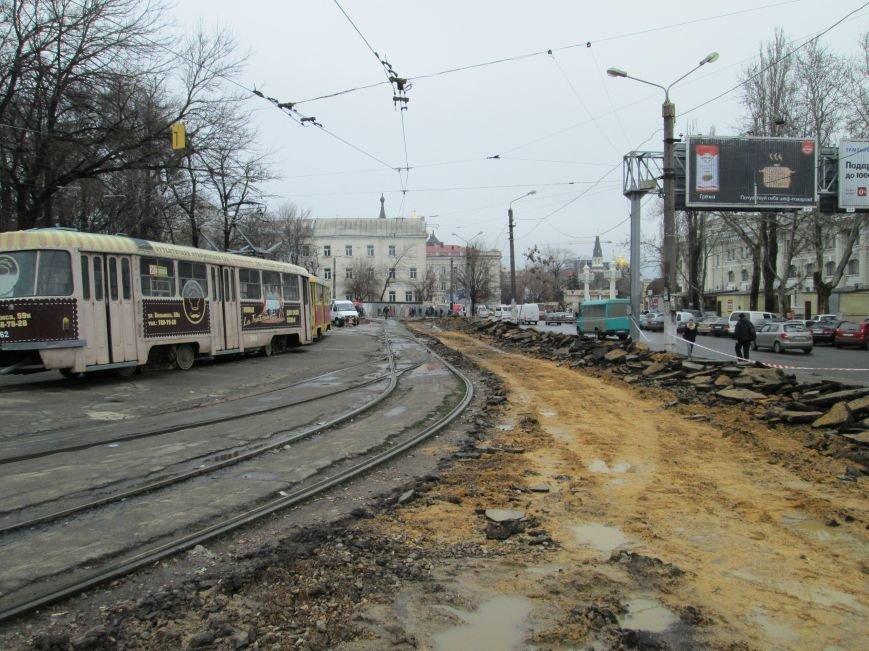 Ломать не строить: Старосенную площадь в Одессе перекопали совсем (ФОТО) (фото) - фото 1