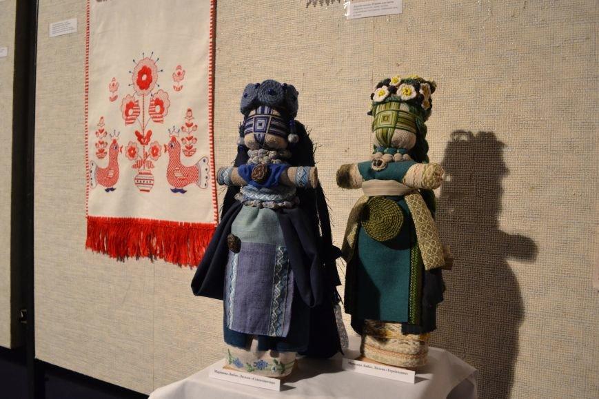 В Музее истории Днепродзержинска открылась выставка украинской вышивки, фото-8