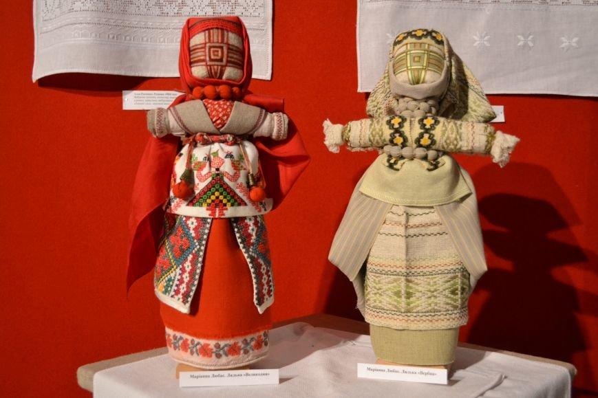В Музее истории Днепродзержинска открылась выставка украинской вышивки, фото-16