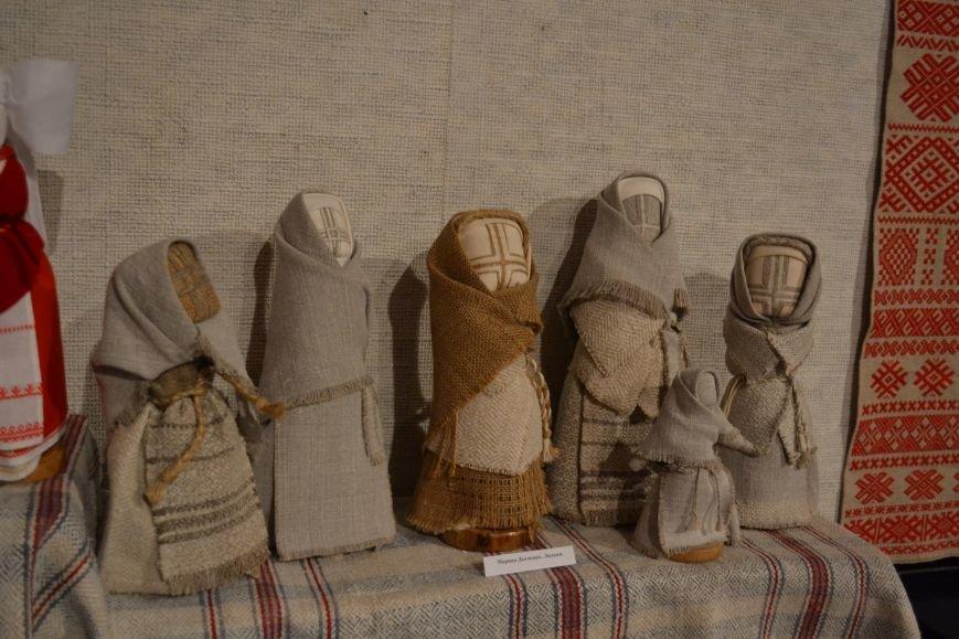 В Музее истории Днепродзержинска открылась выставка украинской вышивки, фото-4