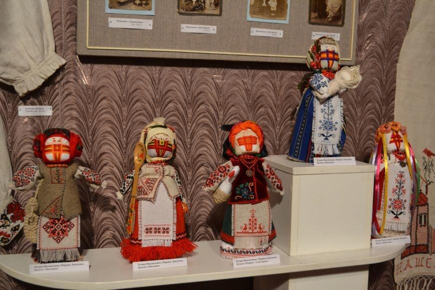 В Музее истории Днепродзержинска открылась выставка украинской вышивки, фото-7