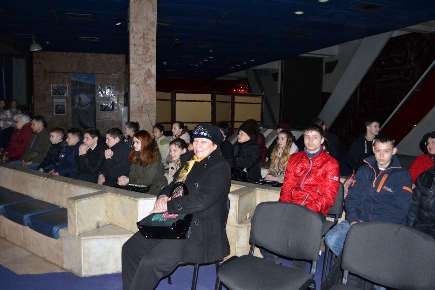 В Музее истории Днепродзержинска открылась выставка украинской вышивки, фото-2