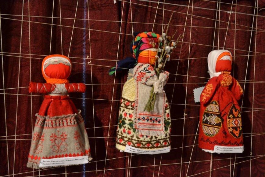 В Музее истории Днепродзержинска открылась выставка украинской вышивки, фото-17